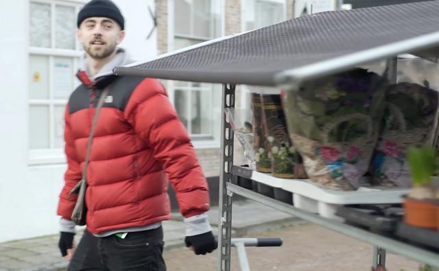 Gijs heeft een bloemenkar in Zeeland
