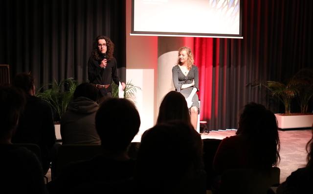 Annette Akkerman wint poëziewedstrijd Floor