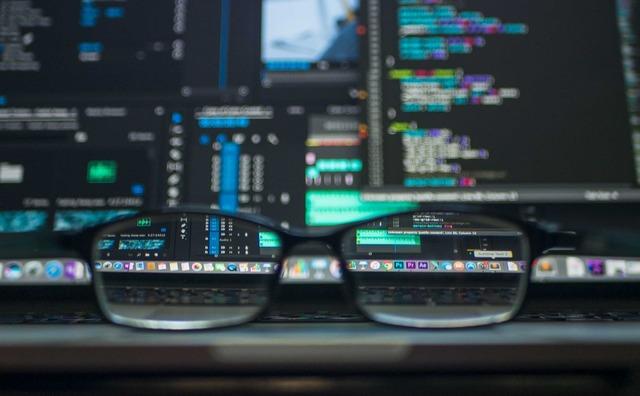 Mening: 'Geef meer aandacht aan programmeren bij IT-opleidingen'
