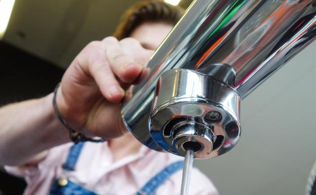 Gratis water tappen in kantine Theo Thijssenhuis