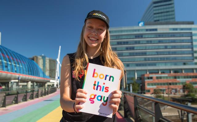 'Born This Gay': Babet brengt haar eigen boek uit