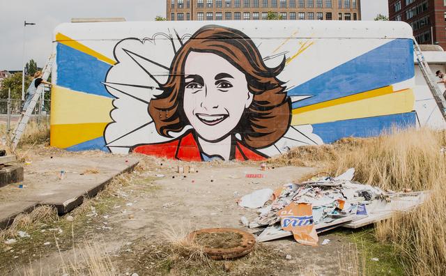 Jullie vinden het zonde, maar het portret van Anne Frank wordt echt gesloopt