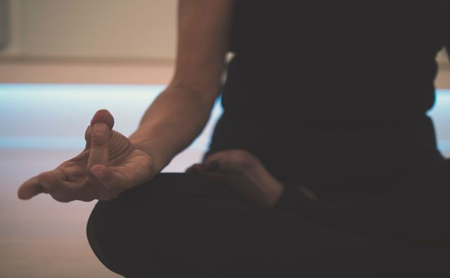 Helemaal zen de tentamenweek door met yoga en mindfulness