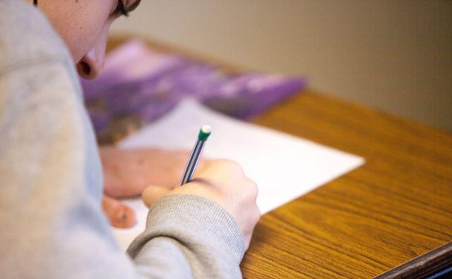 Kun jij je tentamen straks vijf keer per jaar herkansen?