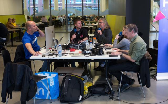 Podcast vanuit het Wibauthuis: tentamens, muziek en tien jaar Boot-HvA