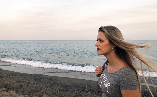 Passie: Tamara wil van Den Helder naar Texel zwemmen