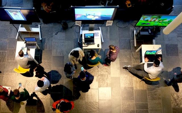 Deze studenten hebben honger en slaapgebrek, maar wel een vette game