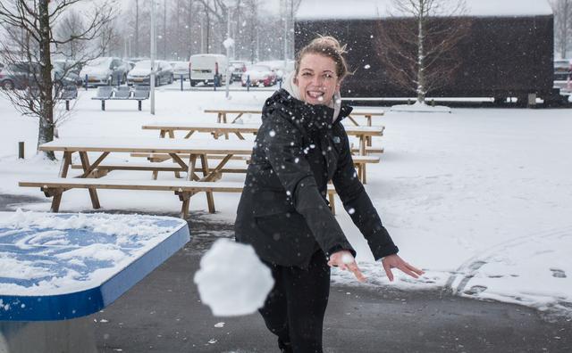 In beeld: sneeuwballen en minder treinen tijdens de tentamenweek