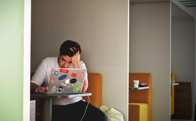 Mening: Jongeren zijn niet geholpen met paniek zaaien over hun psychisch welzijn
