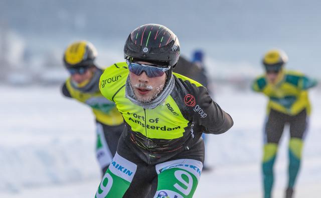 Scheuren in ijs worden HvA'ers fataal tijdens 'Elfstedentocht'