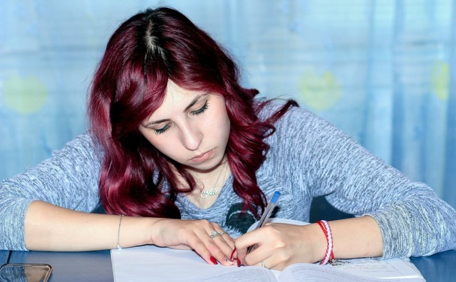 Tien taaltips - zo schrijf je een verslag zonder rode strepen