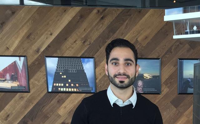 Aan het werk: Onur Yarim is leerplichtambtenaar
