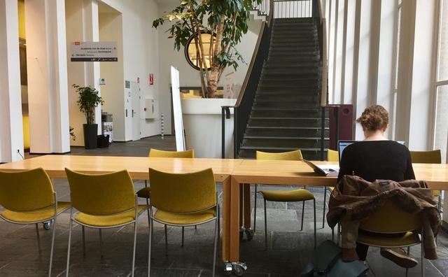 Studeren in een doodstil schoolgebouw: ontmoet de 'lone wolfs' van de HvA