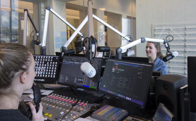 Studenten maken radio: 'NPO1 of HvA, mensen vertellen graag hun verhaal'