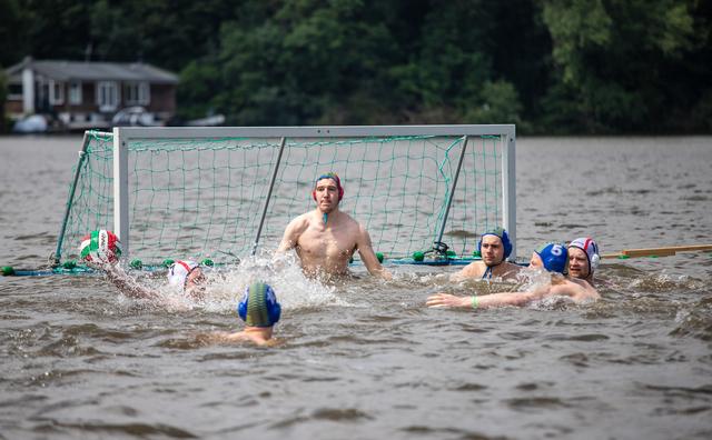 Amsterdammers net naast podium op GNSK, HvA-succes bij waterpolo