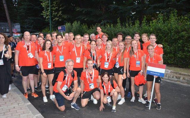 HvA-atleten racen kort en rusten lang tijdens Napolitaanse Universiade
