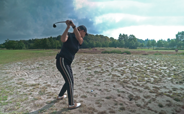 Passie: Nanna strijdt tegen zichzelf en de elementen op de golfbaan