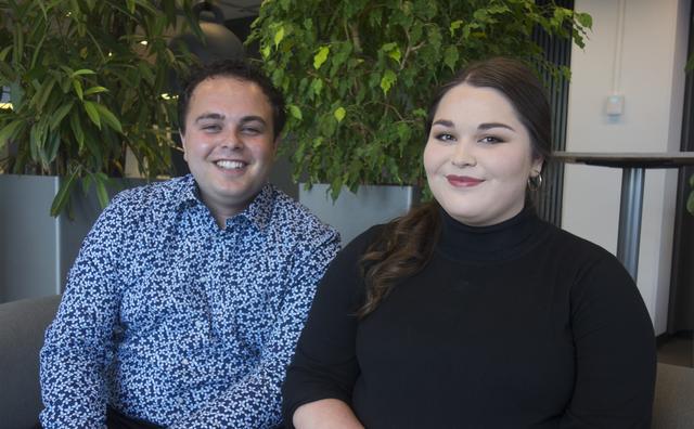 Broer en zus op de werkvloer: 'Goed dat we een andere functie hebben'