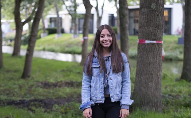 María José woont op een vakantiepark in Halfweg. 'Ik moet de slaapkamer delen'
