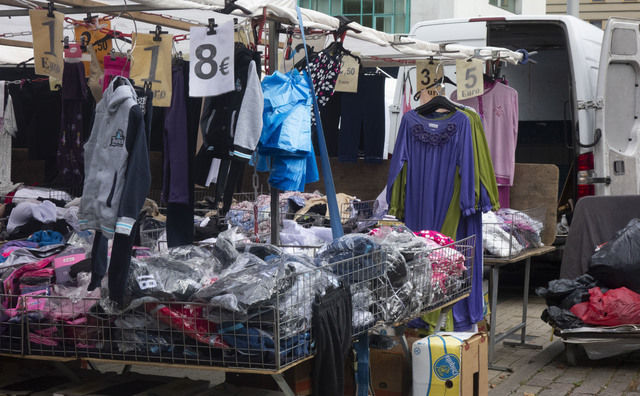 Joachim onderzoekt hoe marktkooplui hun afvalberg verkleinen