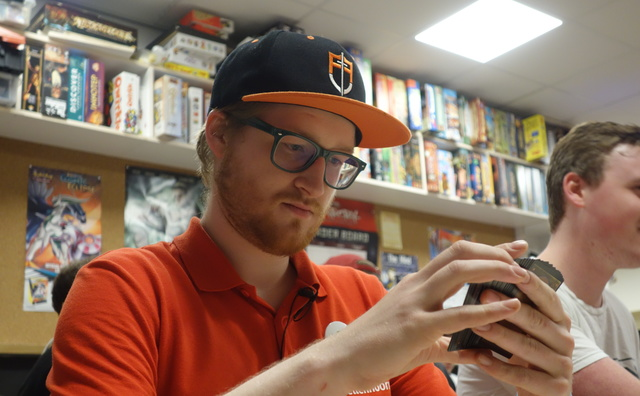 Passie: Sam houdt zijn brein in vorm met Magic: The Gathering