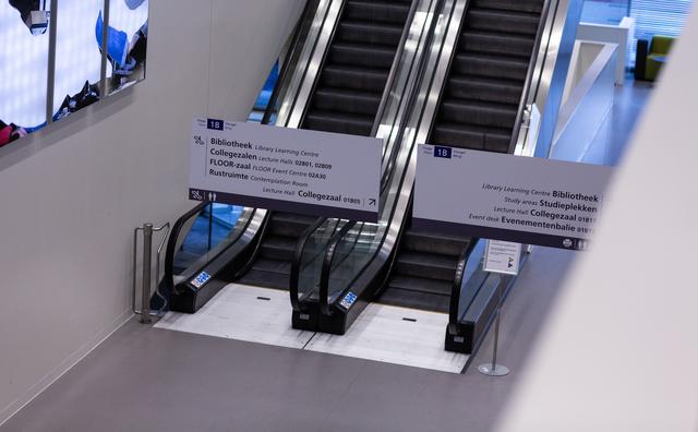 HvA adviseert mondkapjes in gebouwen en stelt evenementen uit