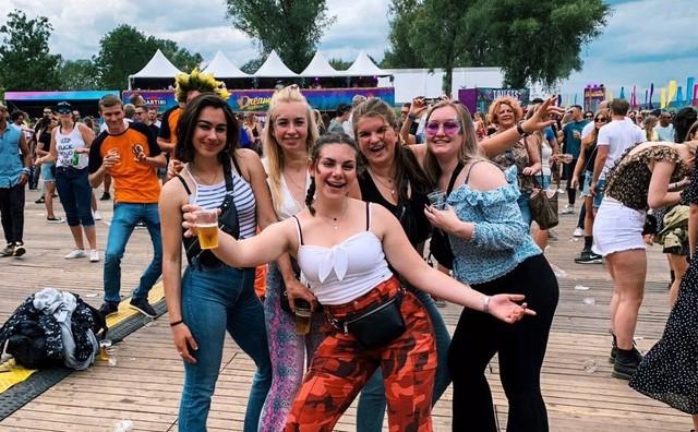 Een zomer zonder festivals: 'Dan maar in de achtertuin'