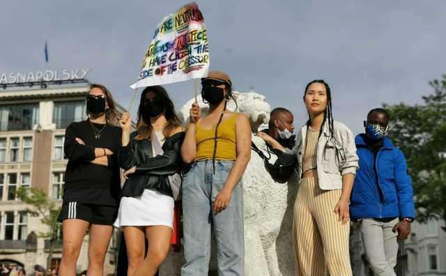 Corona of niet, HvA'ers demonstreerden op de Dam: 'Ik heb geen spijt'