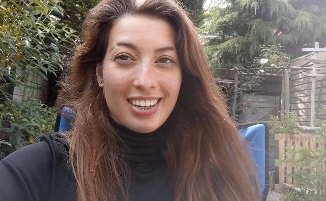 Corona-vlog 11: Aimée protesteert op de Dam en Berend geeft mondkapjes-tip