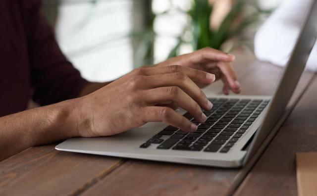 Tien digitale apparaten gestolen of verloren in eerste collegeweek