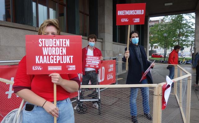 Studentenclubs houden 'kippenhokactie' tegen hoge huurprijzen