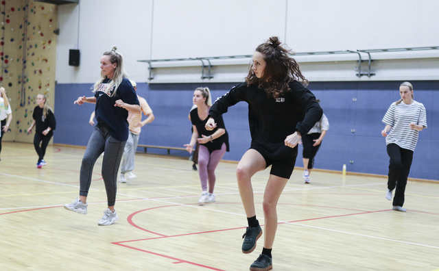 Spanning bij de auditie van HvA Dance Centre: 'Slow, boom, boom, chest'