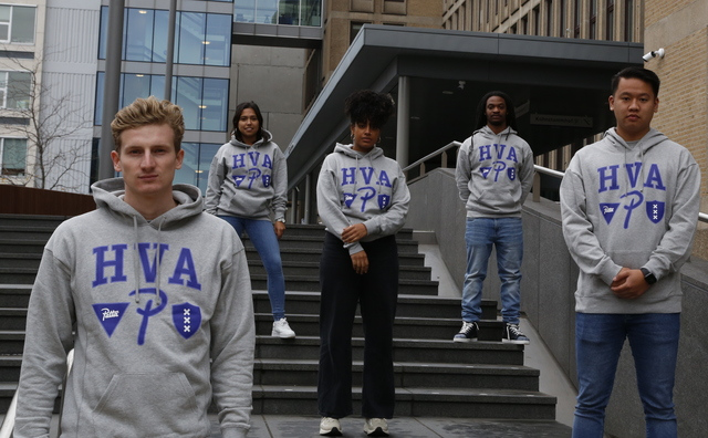 PattaxHvA lanceert nieuwe collectie met een hoodie, T-shirt, tas en condooms