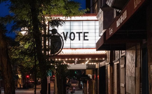 De hele nacht wakker: Deze HvA'ers blijven op voor de Amerikaanse verkiezingen