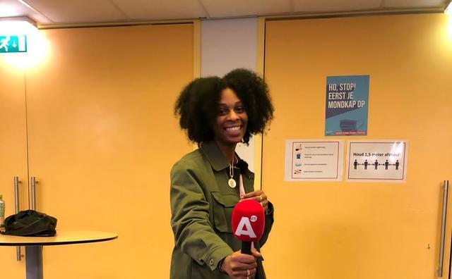 Droombaan: Shereen wil Spuiten en Slikken presenteren