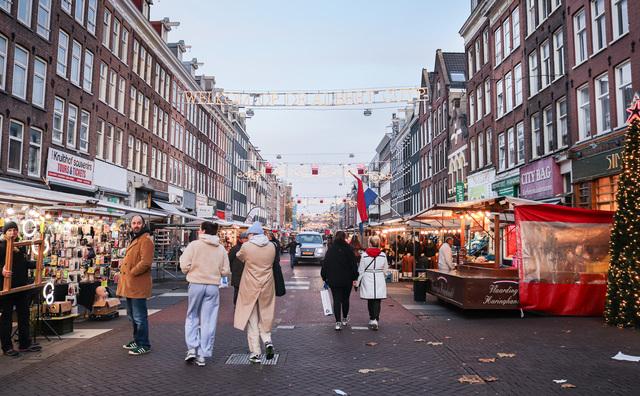 Van oost tot west: dit zijn de mooiste wandelroutes van Amsterdam