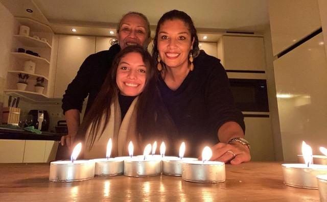 María José viert kerst in Amsterdam, haar familie 10.000 km verderop