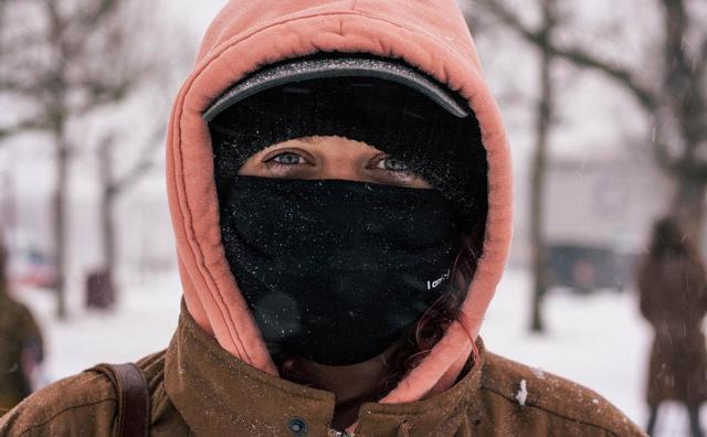 HvA'ers in de sneeuw: bikini aan en gáán
