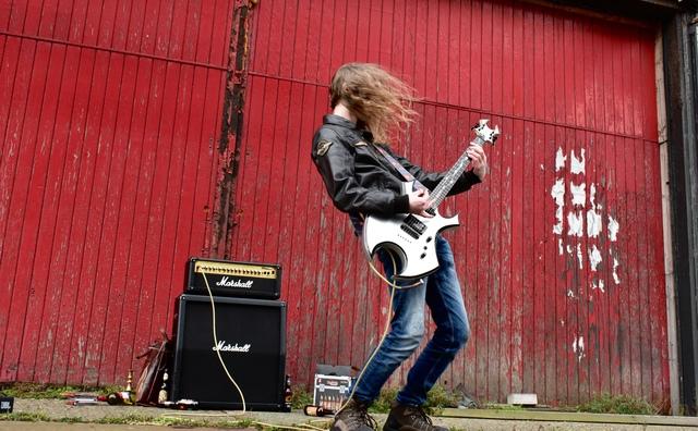 De doorgeefcamera: 'Door mijn metalmuziek denken mensen dat ik heel boos ben'