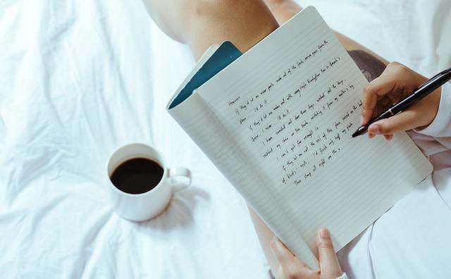 Poëzie als uitlaatklep: 'Het maakt me rustig voor het slapengaan'