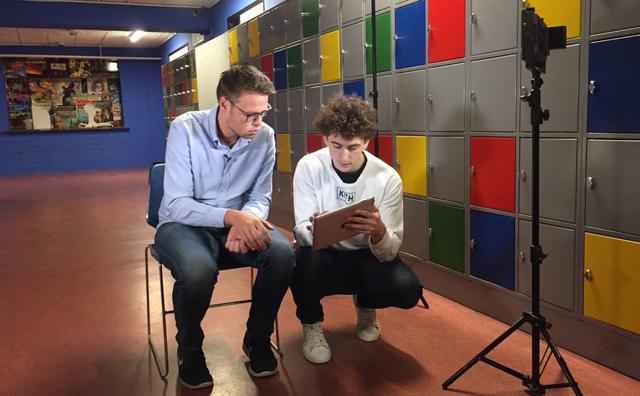 Matthijs maakt YouTube-serie over stof eindexamen geschiedenis