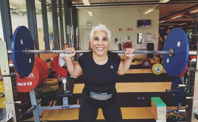 Ina was docent op de HvA. Nu is ze wereldkampioen powerliften