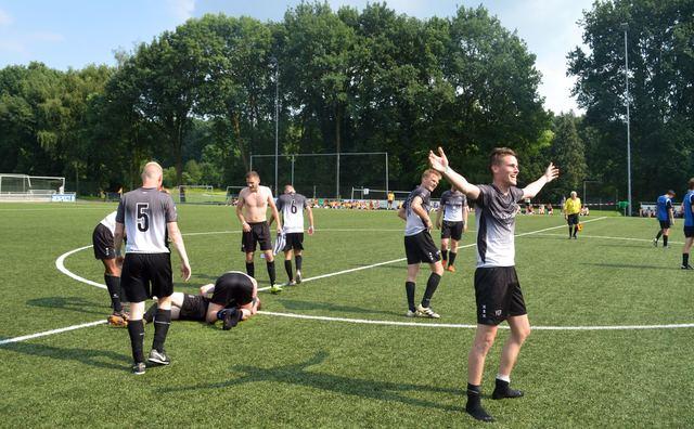 Voetbalzege hoogtepunt voor HvA/UvA-team op studentenkampioenschap