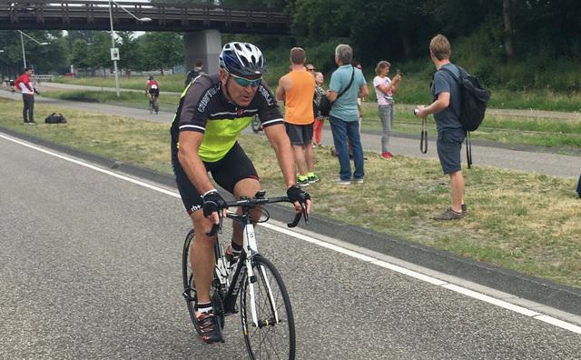 Sportdocenten spannen zich in bij triatlon in Nieuw-West