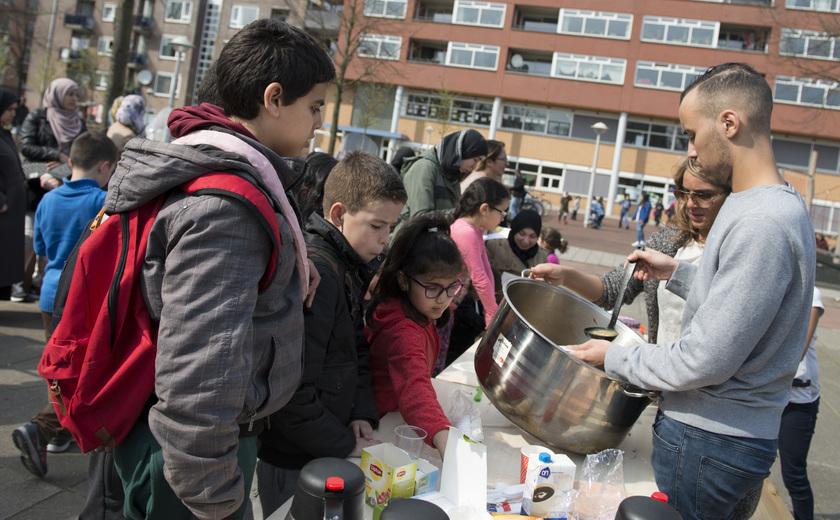 Tien jaar Boot-HvA: Blije bewoners dankzij Bakkie op het plein