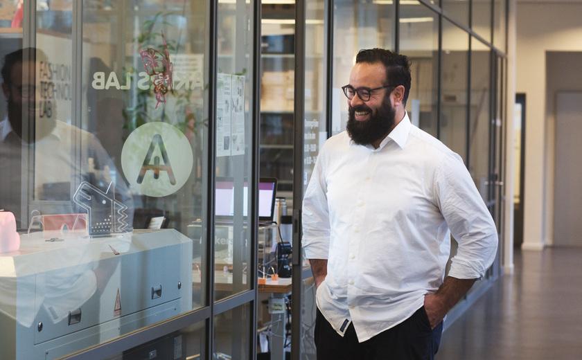 Docent Youssef bedenkt een systeem dat tentamens overbodig maakt