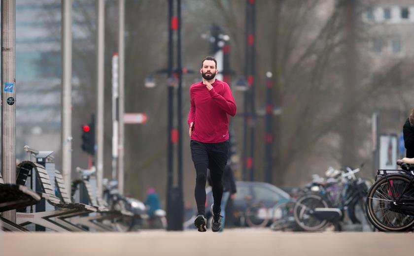 Pieter loopt twaalf marathons voor onderzoek naar Huntington