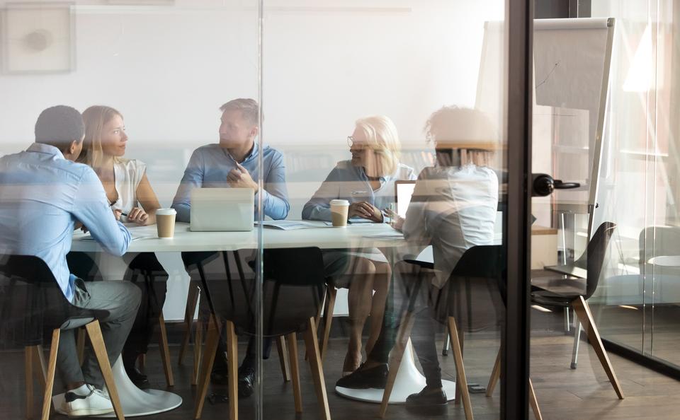 Kies jij voor het grote geld of een passende werkplek? De HvA helpt met kiezen